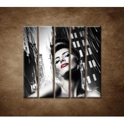 Obrazy na stenu - Sexi žena v meste - 5dielny 100x100cm