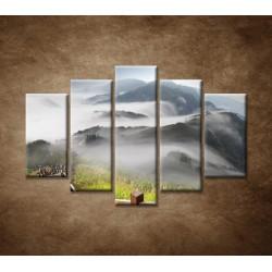 Obrazy na stenu - Mraky nad horami - 5dielny 150x100cm